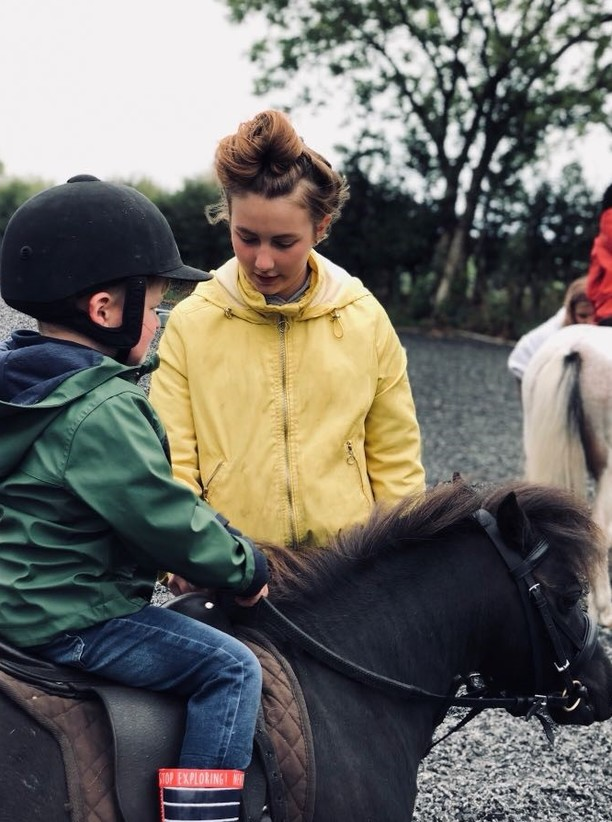 Beginner Riding Lessons from Glenview Farm
